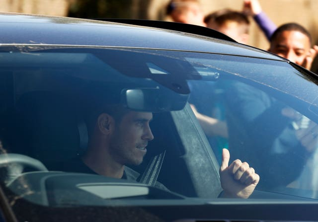 Gareth Bale completed a season-long loan move to old club Tottenham from Real Madrid this weekend and was welcomed to the club's training ground in Enfield by a large number of Spurs fans