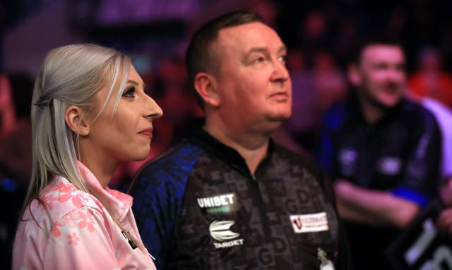 Fallon Sherrock, left, and Glen Durrant drew