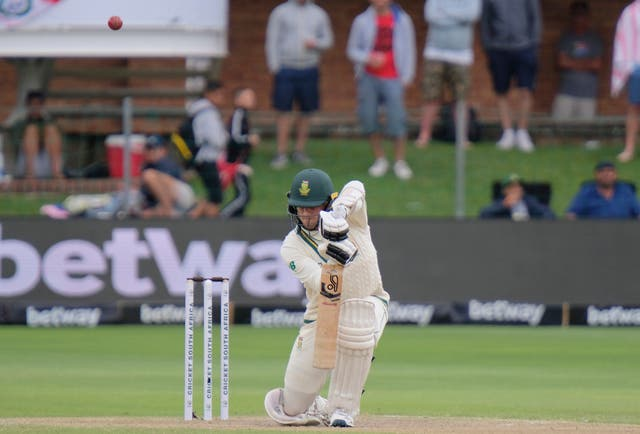 Anrich Nortje held England up as they searched for South African wickets