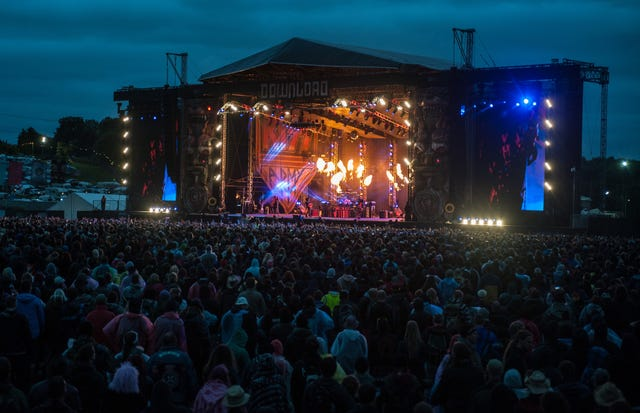 Download the 2015 Festival - Third Day - Donington Park