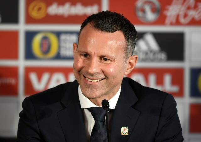 Ryan Giggs has been discussing Pogba's best position