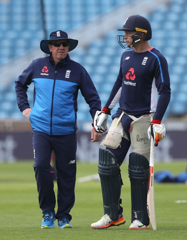 England head coach Trevor Bayliss (left) expects Buttler (right) to be ready for action.