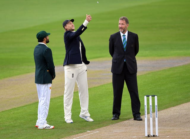 Pakistan captain Azhar Ali, left, called correctly at the toss