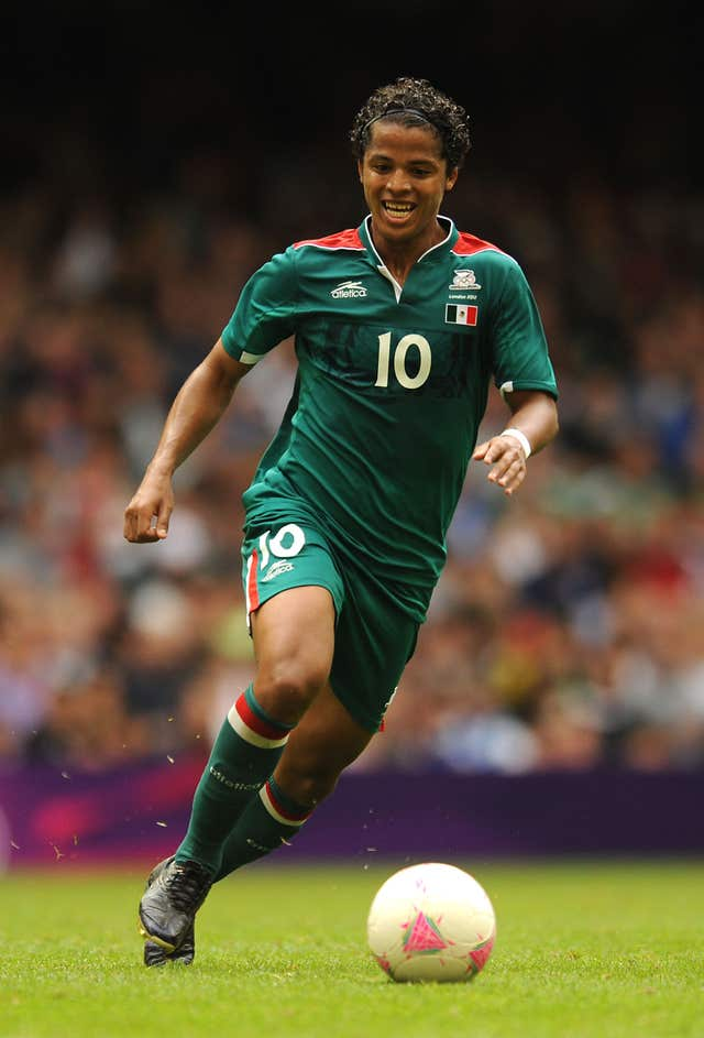 Giovani dos Santos grabbed a late winner for Mexico