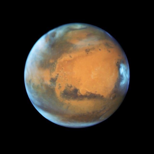 Mars (Nasa/Esa/AP)  - 2 - China names space rover that will explore Mars