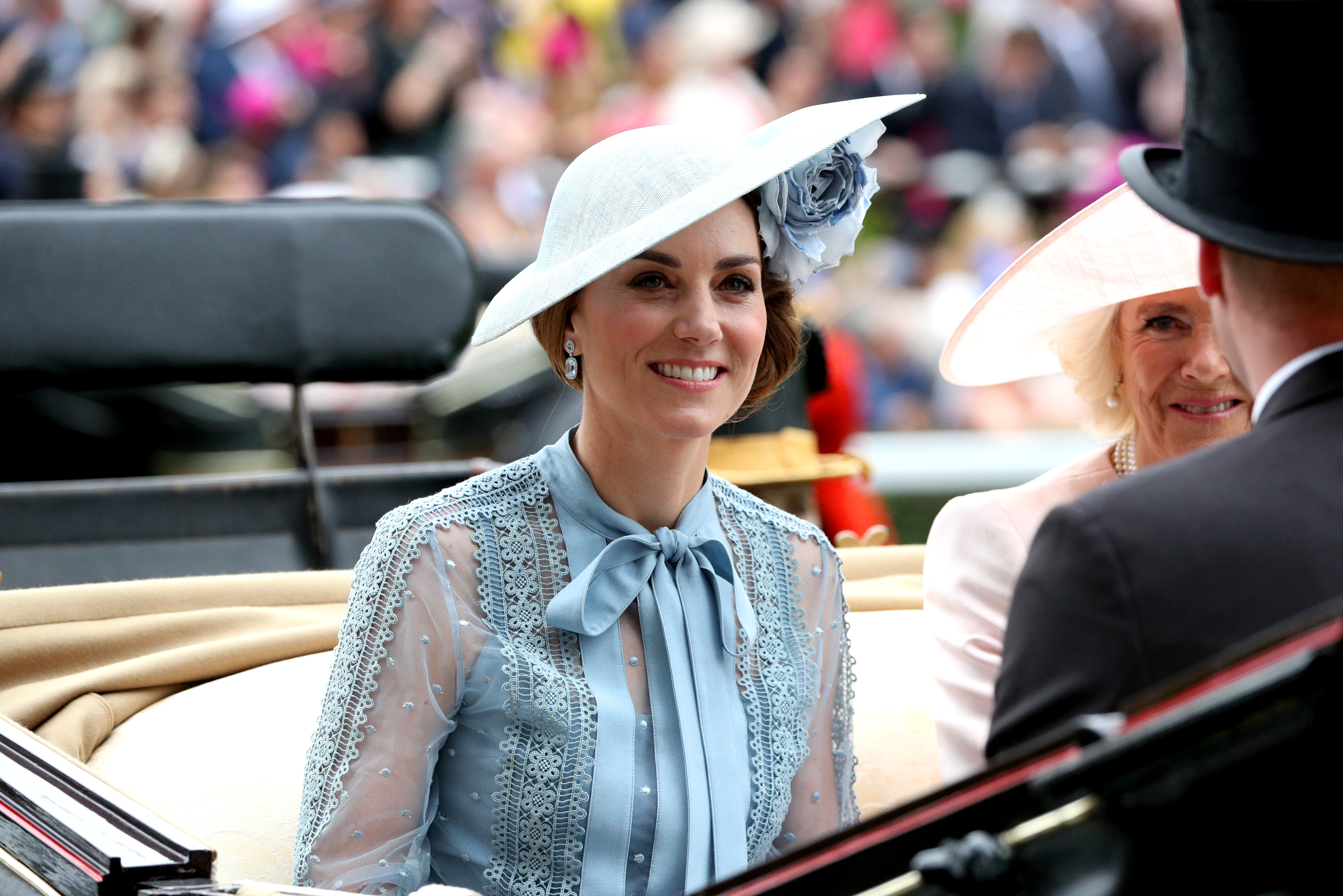 Queen, Duchess of Cambridge, beam in blue at Royal Ascot
