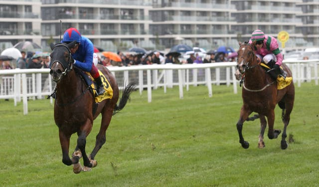 True Mason (pink) drops in trip after finishing second in the Mill Reef