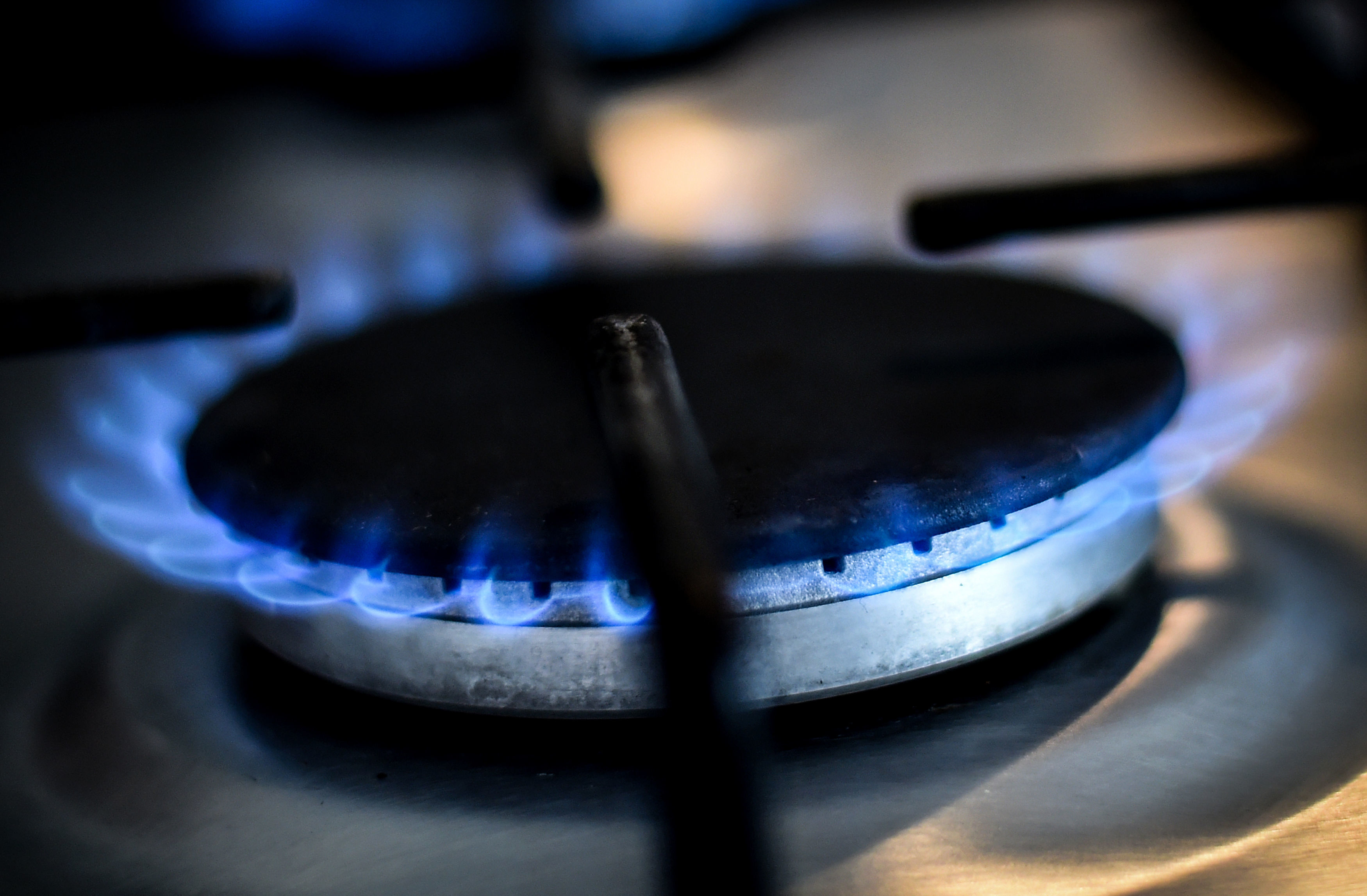 Energy price cap threatens viability of SSE tie-up with Npower