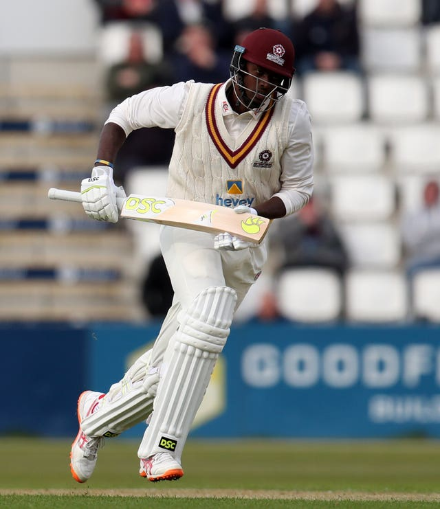 Jason Holder starred as Northamptonshire cruised to victory over Warwickshire