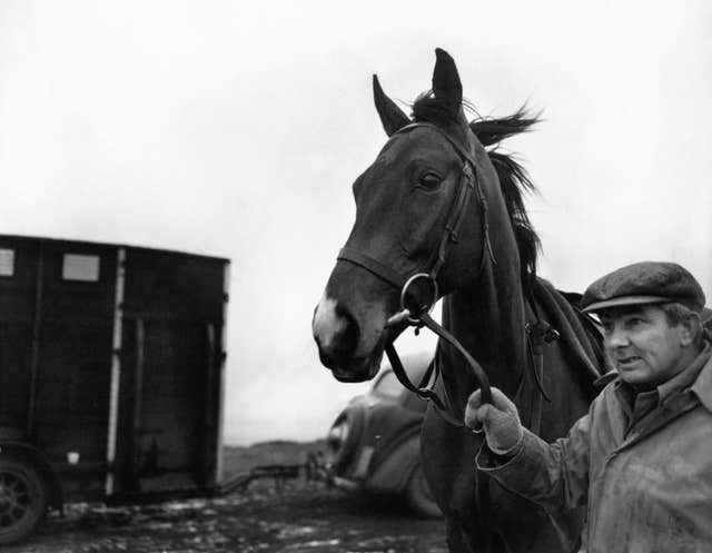 Triple Champion Hurdle winner Sir Ken won 17 on the bounce