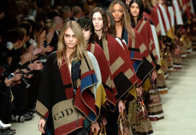 Burberry Prorsum Catwalk – London Fashion Week 2014