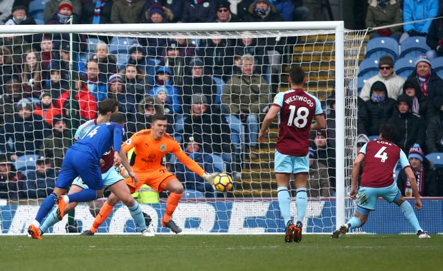 Burnley come from behind to mark Sean Dyche's 250th game with win over Everton