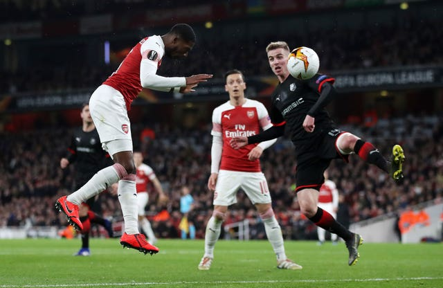 A first Emirates Stadium goal for Ainsley Maitland-Niles helped Arsenal into the quarter-finals.