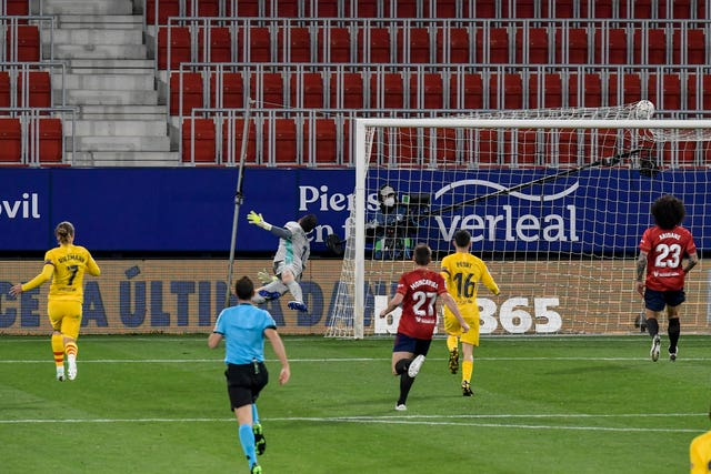 Osasuna 0 - 2 Barcelona: Barcelona win at Osasuna to close within two points of La Liga summit
