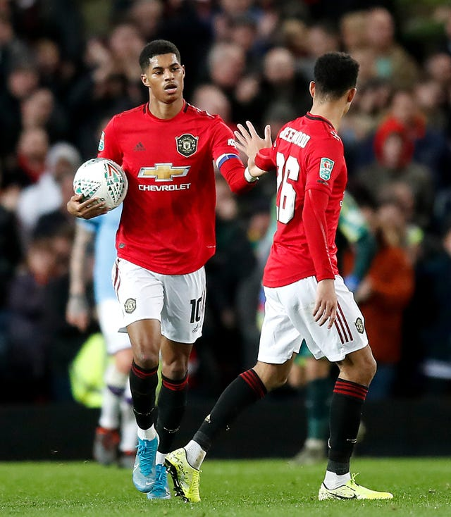 Marcus Rashford's goal keeps United in contention to reach the final