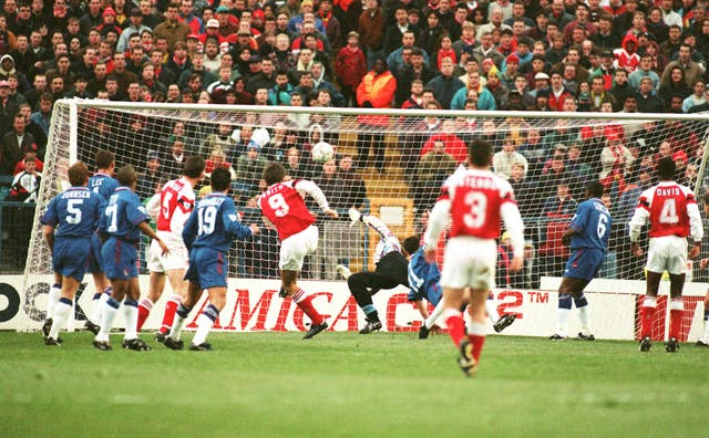 Alan Smith opened the scoring as Arsenal won at Stamford Bridge for the first time in the Premier League-era in November 1993.