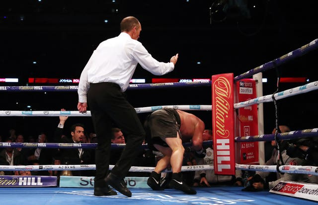 Alexander Povetkin struggled to get back to his feet