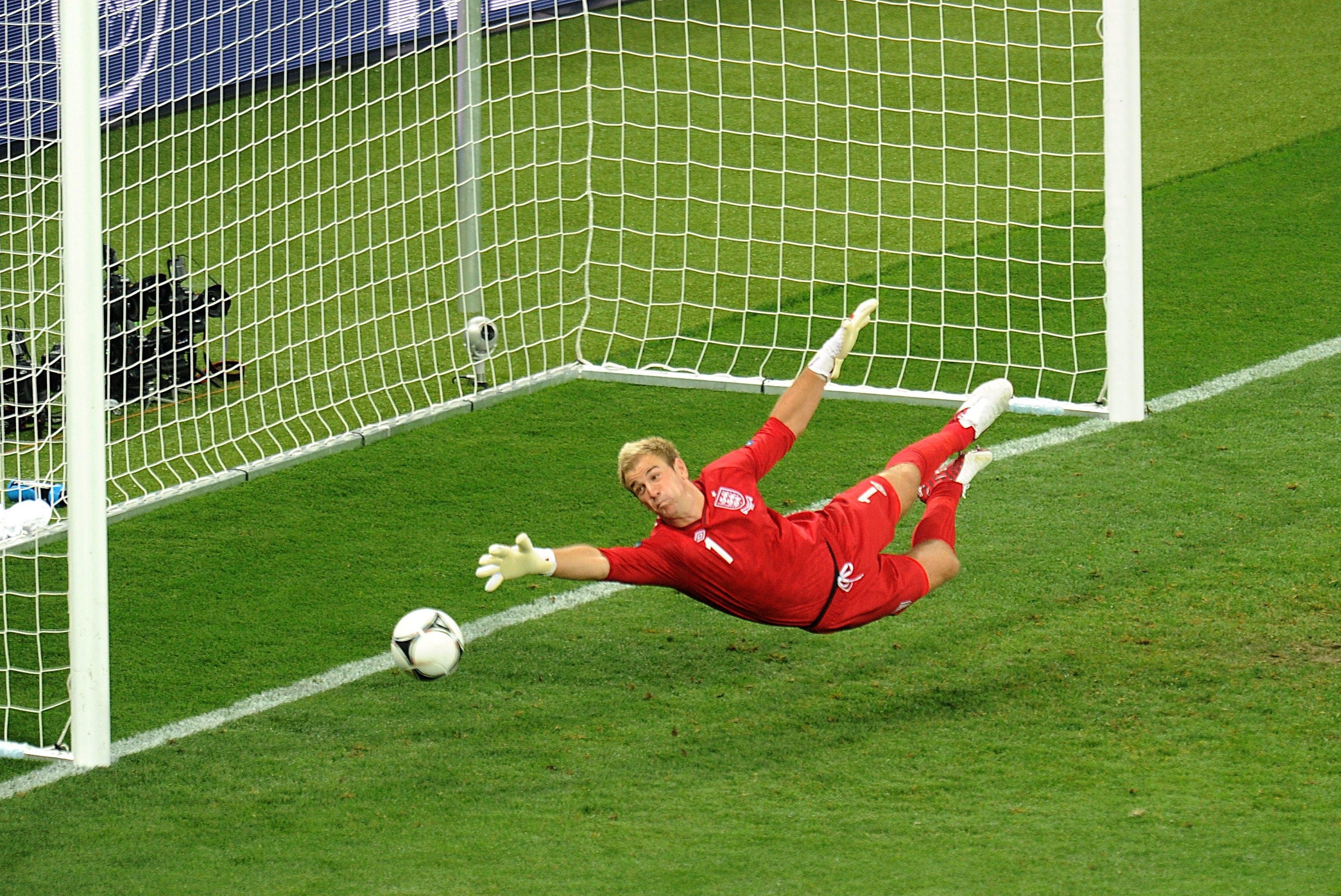 Joe Hart is poised to join Tottenham Hotspur