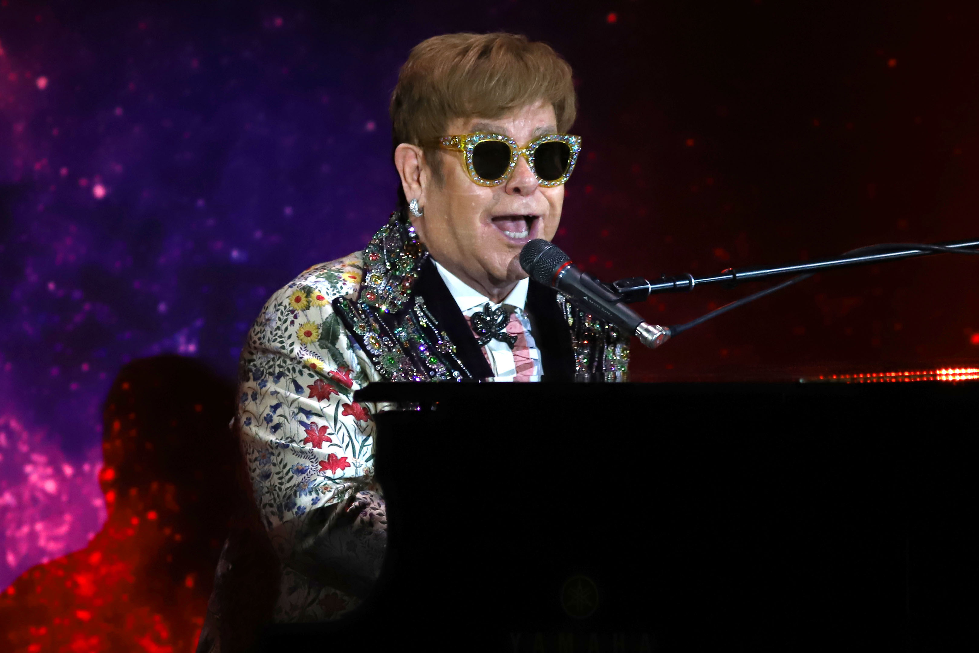 Elton John announces massive retirement tour