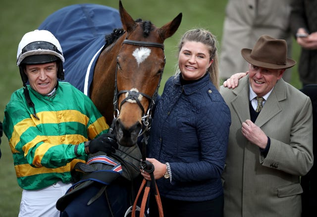 Barry Geraghty and Philip Hobbs with Defi Du Seuil