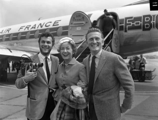 Entertainment – Tony Curtis and Kirk Douglas – Heathrow Airport