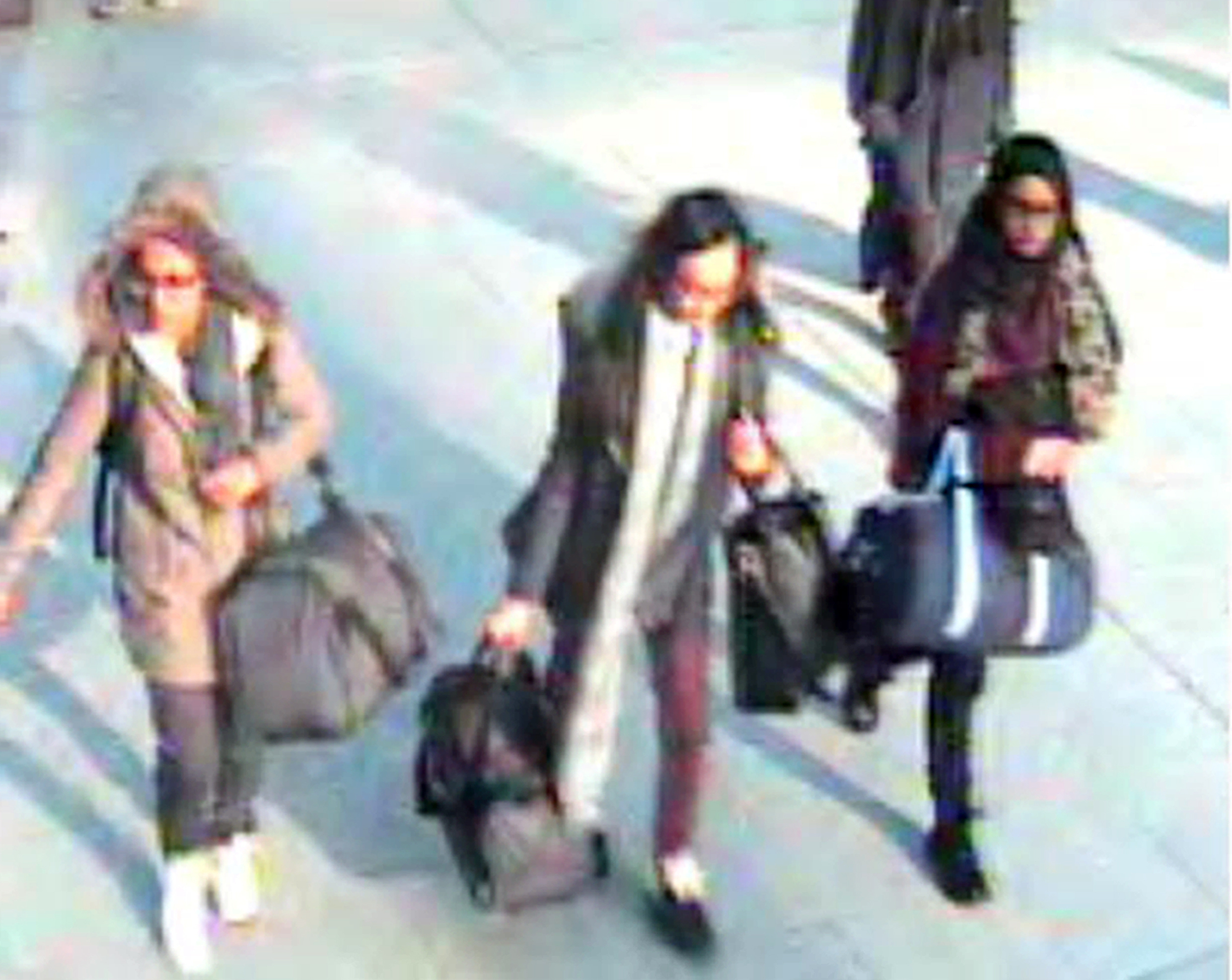 British schoolgirl who joined Islamic State with friends wants to come home