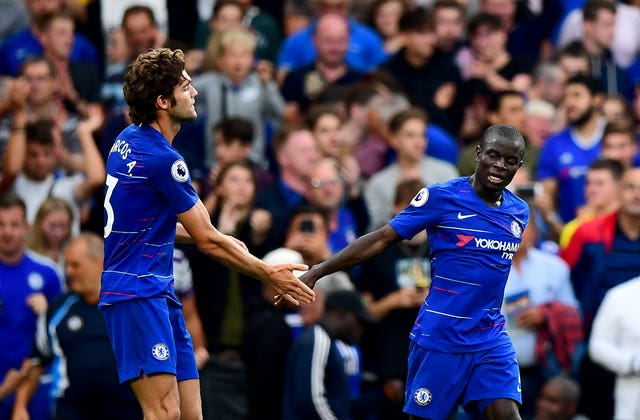 Marcos Alonso scored the winner as Maurizio Sarri's first home game in charge of Chelsea ended with a win over Unai Emery's Arsenal.
