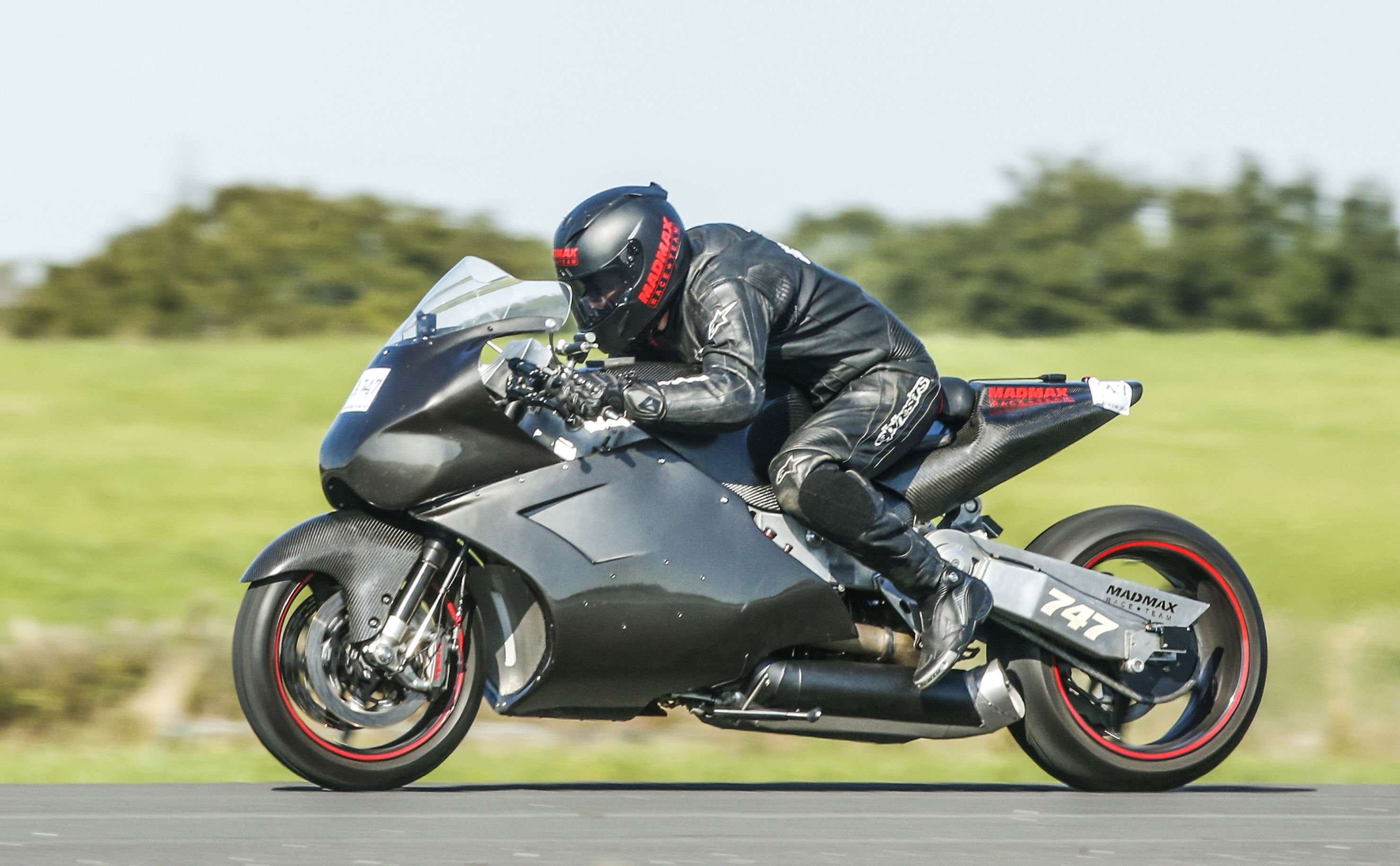 Straightliners 'Top Speed' record event