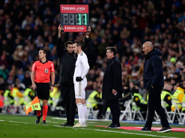 Real Madrid vs PSG - Zidane urges fans to back Real Madrid's push to advance in UCL