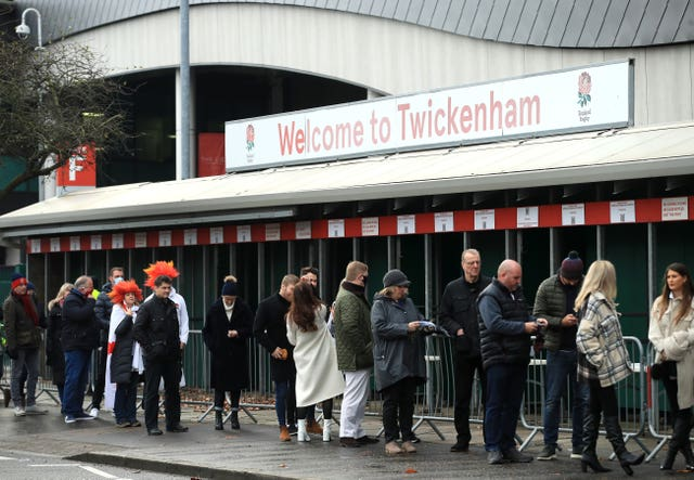 England fans queue up to enter Twickenham ahead of the Autumn Nations Cup Final with France