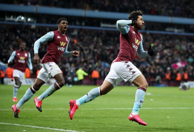 Trezeguet scores late winner to send Aston Villa to Wembley