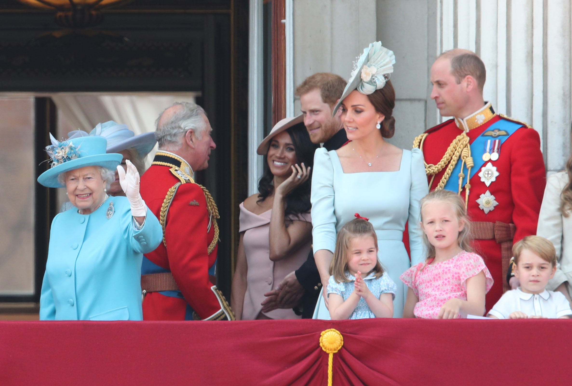 Beaming royals arrive for Easter Sunday service