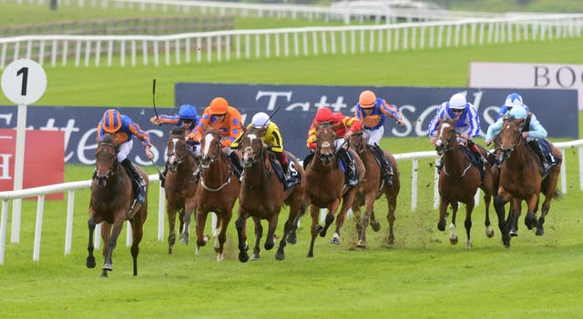 Hermosa left her rivals toiling in the Irish 1,000 Guineas