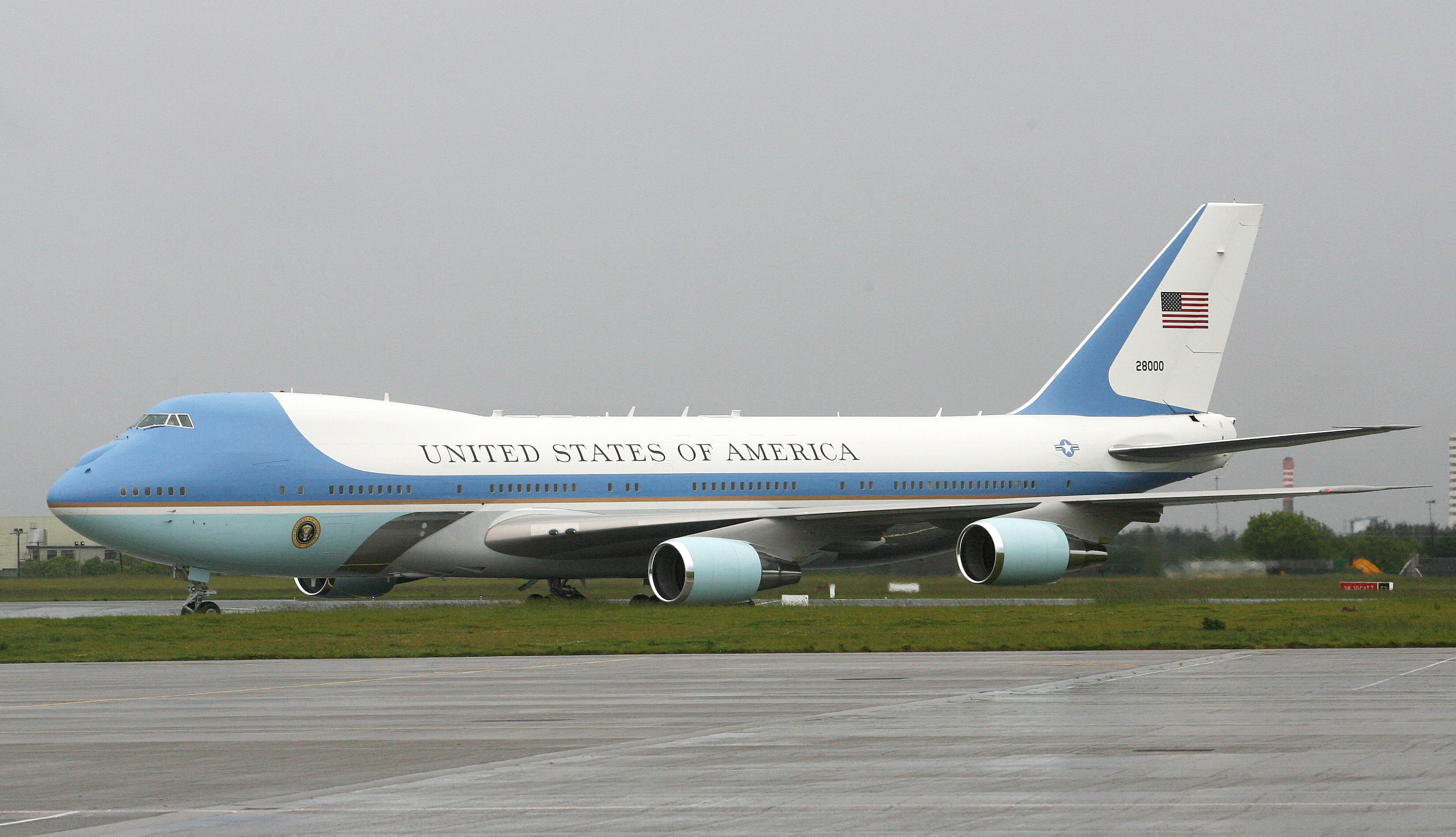 A fresh new paint job for Air Force One may be underway