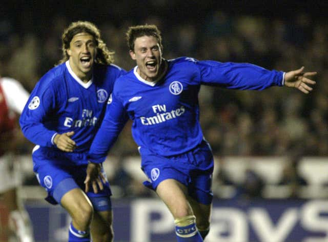 Wayne Bridge would grab the goal to send Chelsea into the 2003/04 Champions League semi-final as the Blues won 2-1 at Highbury in the second leg.