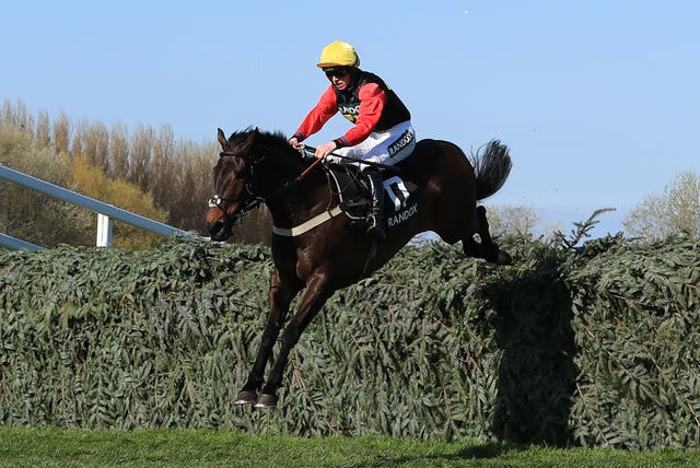 Ultragold is trainer Colin Tizzard's only horse left in the Grand National following the latest scratchings stage