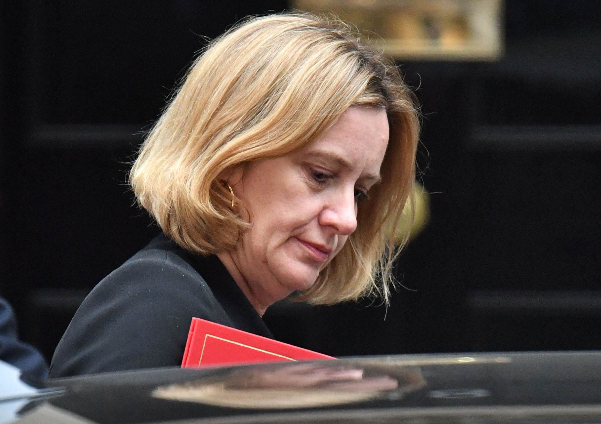 Jeremy Corbyn calls for Amber Rudd to resign over Windrush scandal