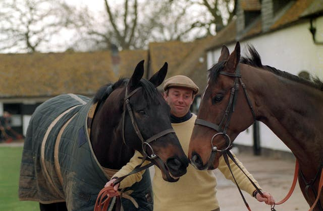 Nicky Henderson poses with Remittance Man and Travado in 1994