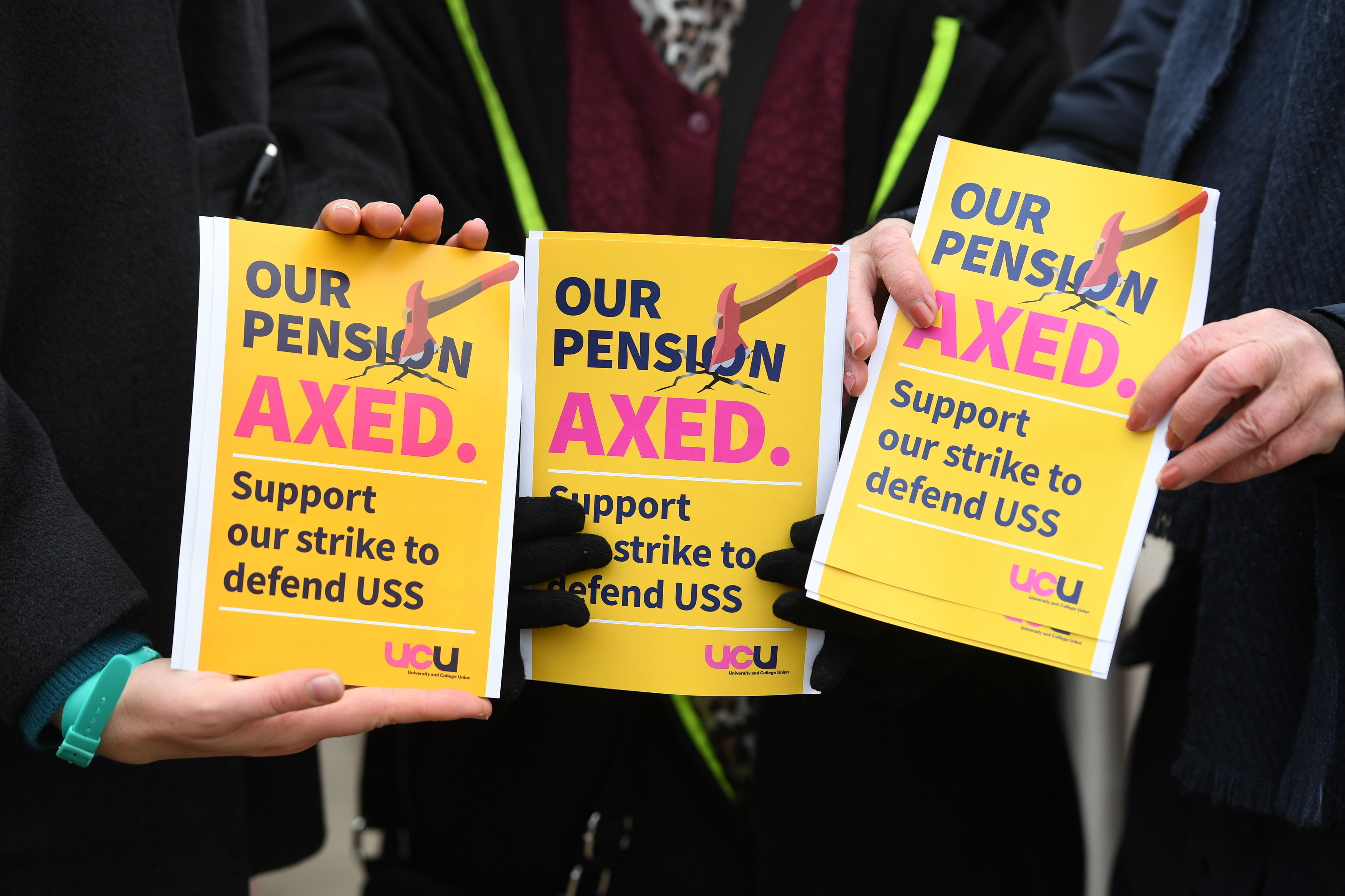Show solidarity with UCU strikes over pensions, says CSP