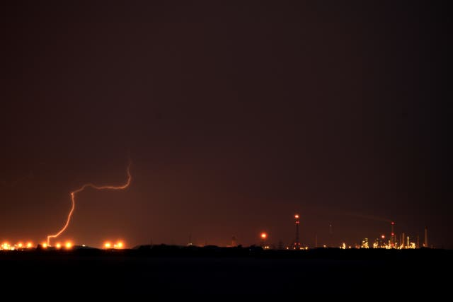 Blood Moon lightning over Hull