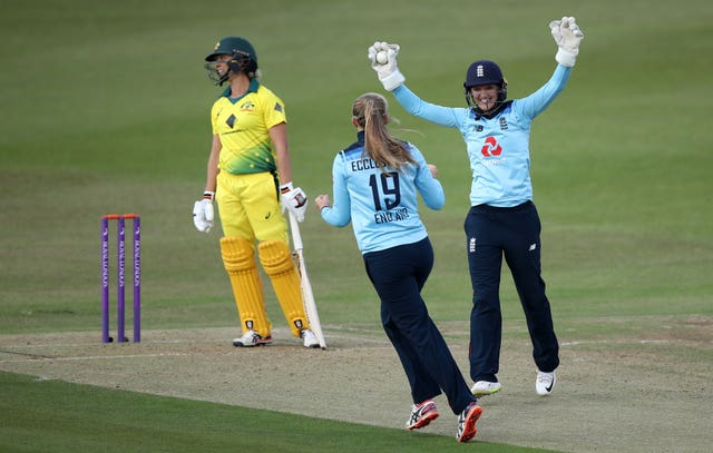 Sarah Taylor, right, is widely regarded as one of the best wicketkeepers in the world (Tim Goode/PA)
