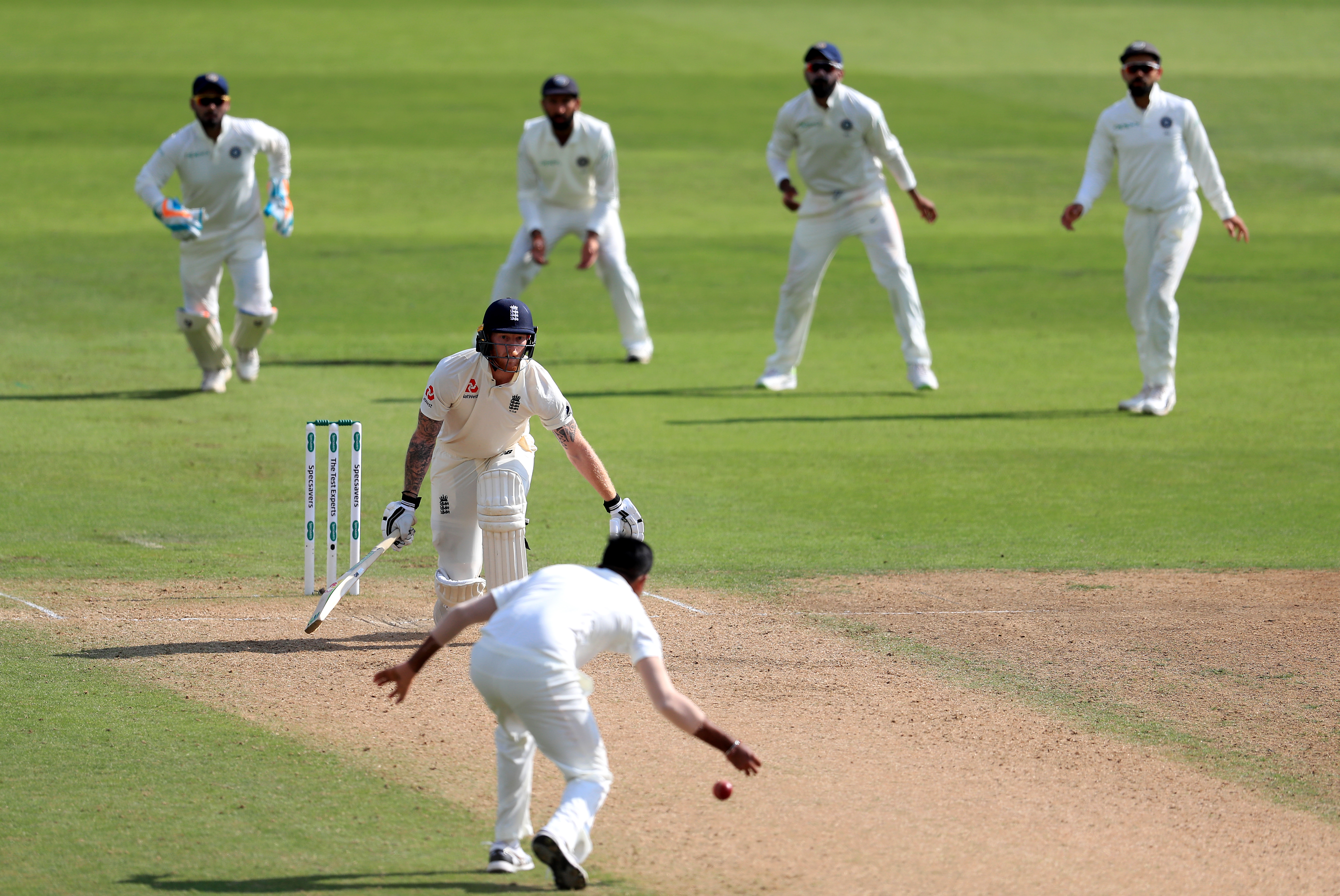 India reduce England to 84/4 at lunch in 3rd Test