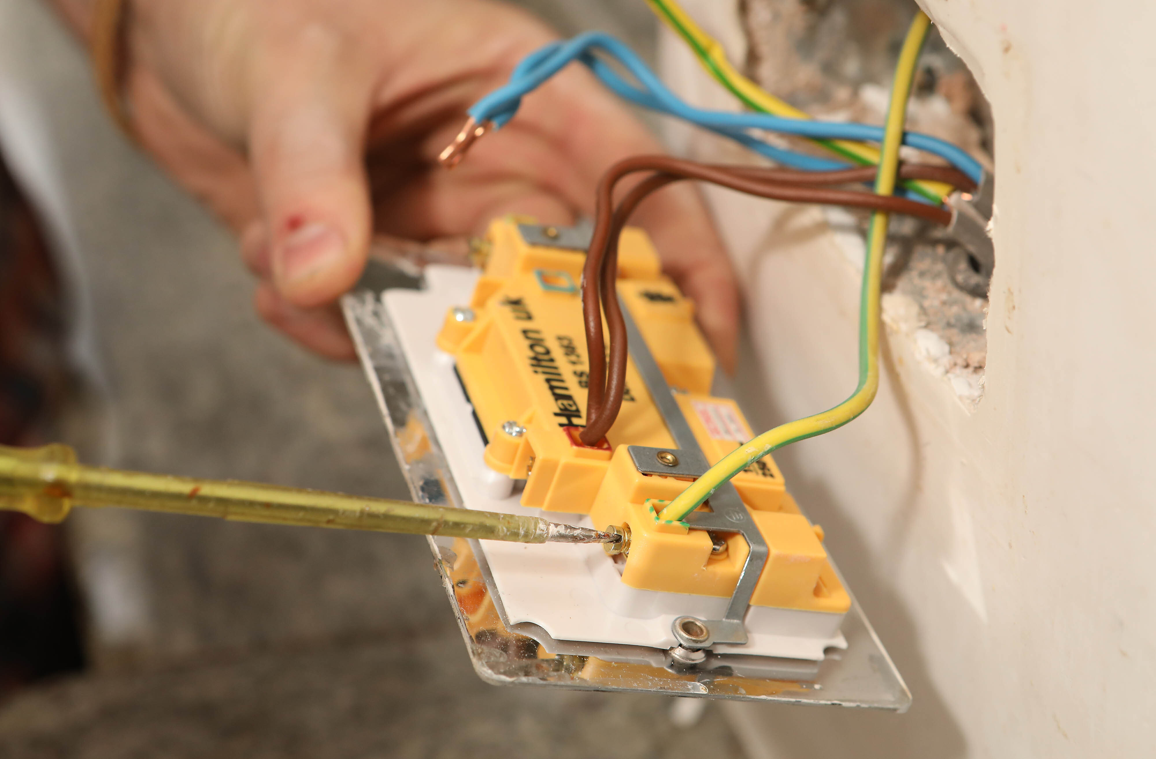 Wiring Usb Wall Socket The Portal And Forum Of Diagram Home How To Install A Like Pro Bt Rh Com 3 Switch