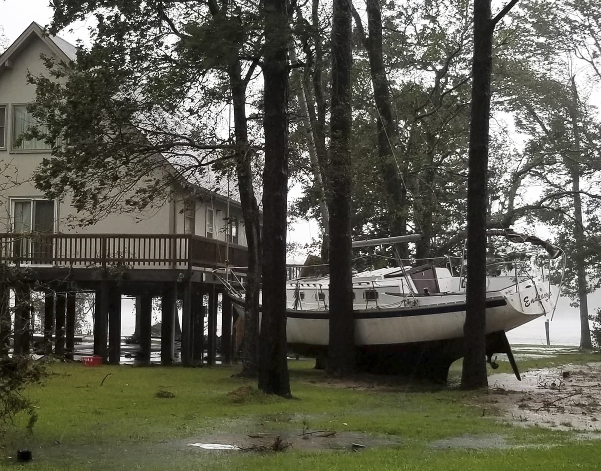 At least 4 dead as slow moving Florence terrorizes Carolinas