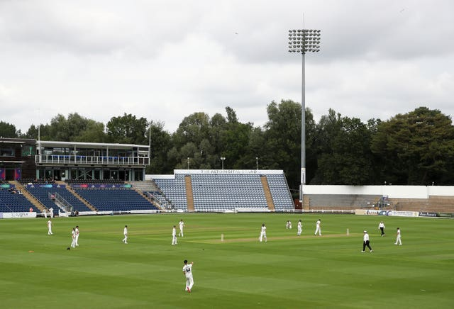 The rain stayed away for the majority of day three between Glamorgan and Gloucestershire at Sophia Gardens