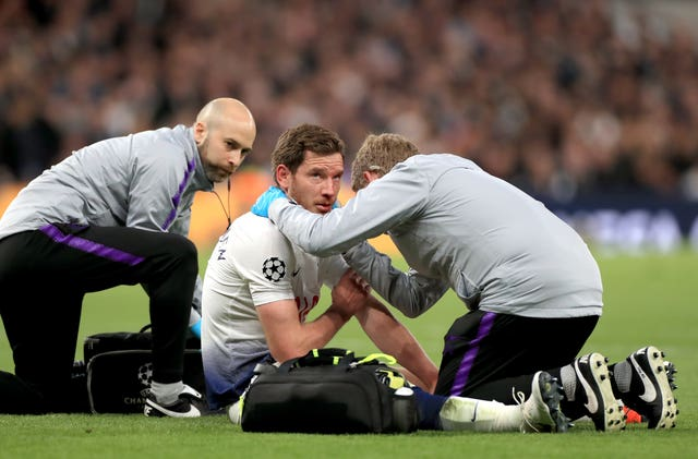 Jan Vertonghen was assessed on the pitch