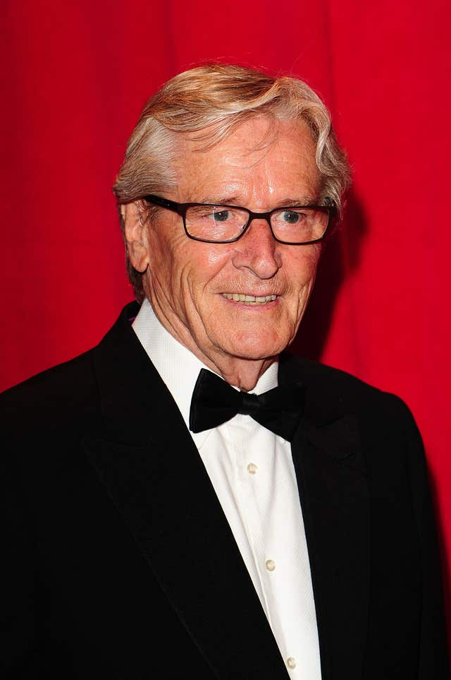 bill roache reveals he visited anne kirkbride in hospital