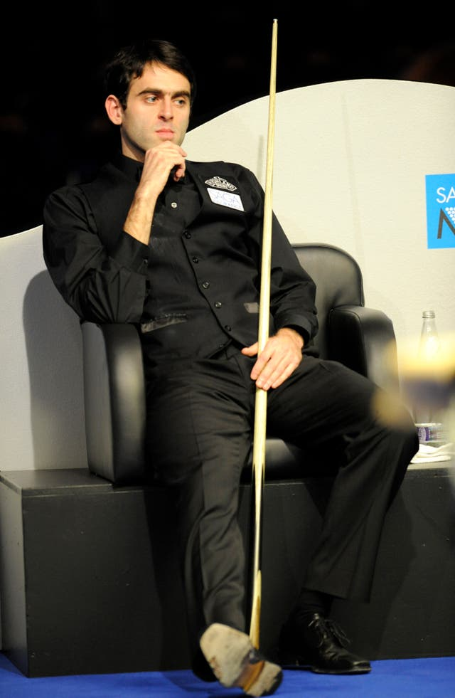 Ronnie O'Sullivan waits his turn in 2008