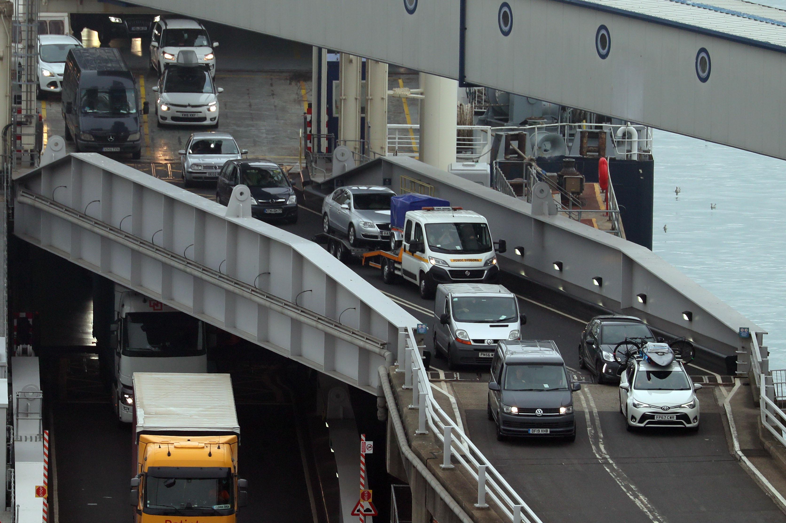 Thousands return to United Kingdom to beat France quarantine