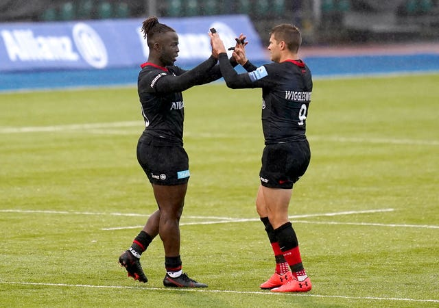 Richard Wigglesworth (right) leaves the field after his final appearance for Saracens